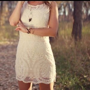 Express Cream lace shift pullover dress size S/P